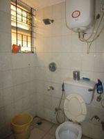 13M5U00717: Bathroom 2