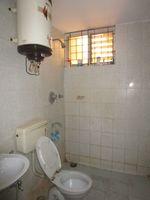 13M5U00717: Bathroom 1