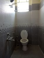 12M5U00002: Bathroom 1
