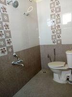 12M5U00002: Bathroom 2