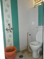 12OAU00017: Bathroom 1