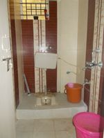 12OAU00017: Bathroom 2