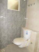 13M5U00550: Bathroom 2