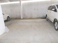 13M5U00550: parking 1