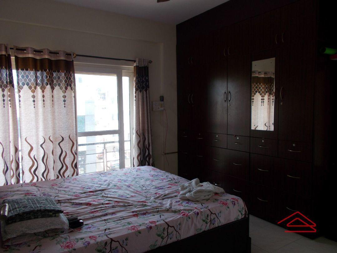 13M5U00217: Bedroom 1