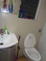 12M5U00004: Bathroom 1