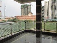 15OAU00040: balconies 1