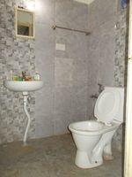 13A4U00074: Bathroom 1