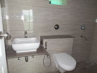 12M5U00281: Bathroom 1