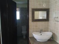 11M5U00243: Bathroom 2