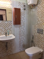 11M5U00243: Bathroom 1