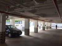 11M5U00243: parking 1