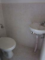 13J6U00150: Bathroom 4