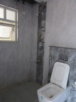 13J6U00150: Bathroom 3