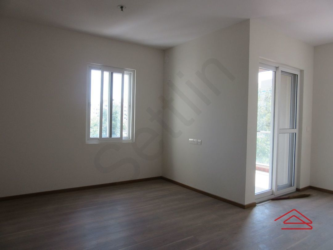 13J6U00150: Bedroom 1