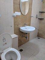 15S9U00721: Bathroom 1