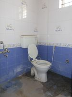 12M5U00176: Bathroom 2