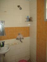 12F2U00073: Bathroom 3