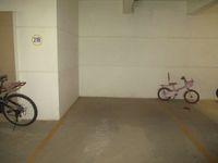 12F2U00073: parking 1