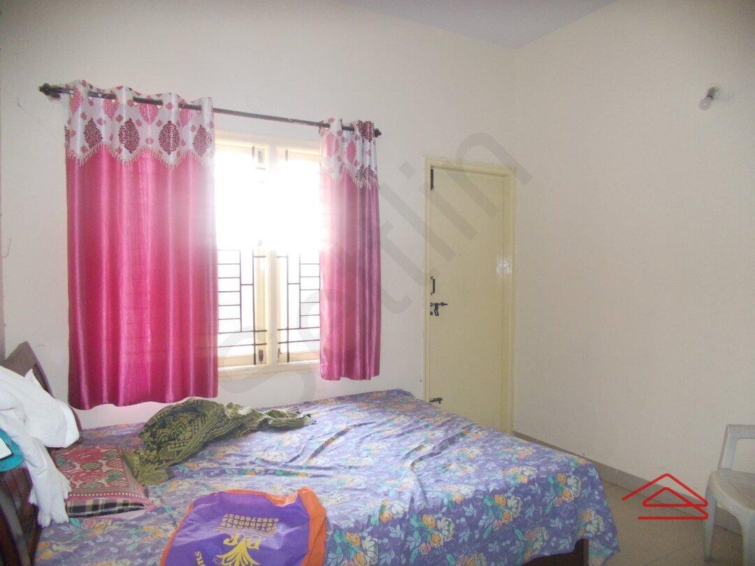 15F2U00419: Bedroom 1