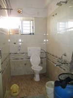 14M3U00107: Bathroom 2