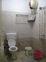 14M3U00107: Bathroom 1