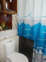 13A8U00139: Bathroom 2