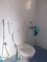 12J7U00214: Bathroom 2