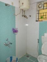 13M5U00475: Bathroom 2