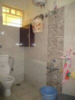 15J1U00182: Bathroom 2