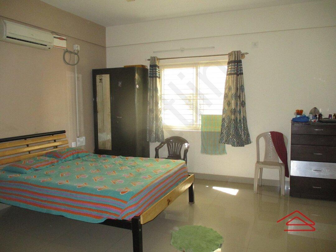 15J1U00182: Bedroom 1