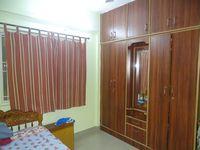 13M5U00438: Bedroom 1