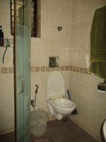 13F2U00080: Bathroom 2