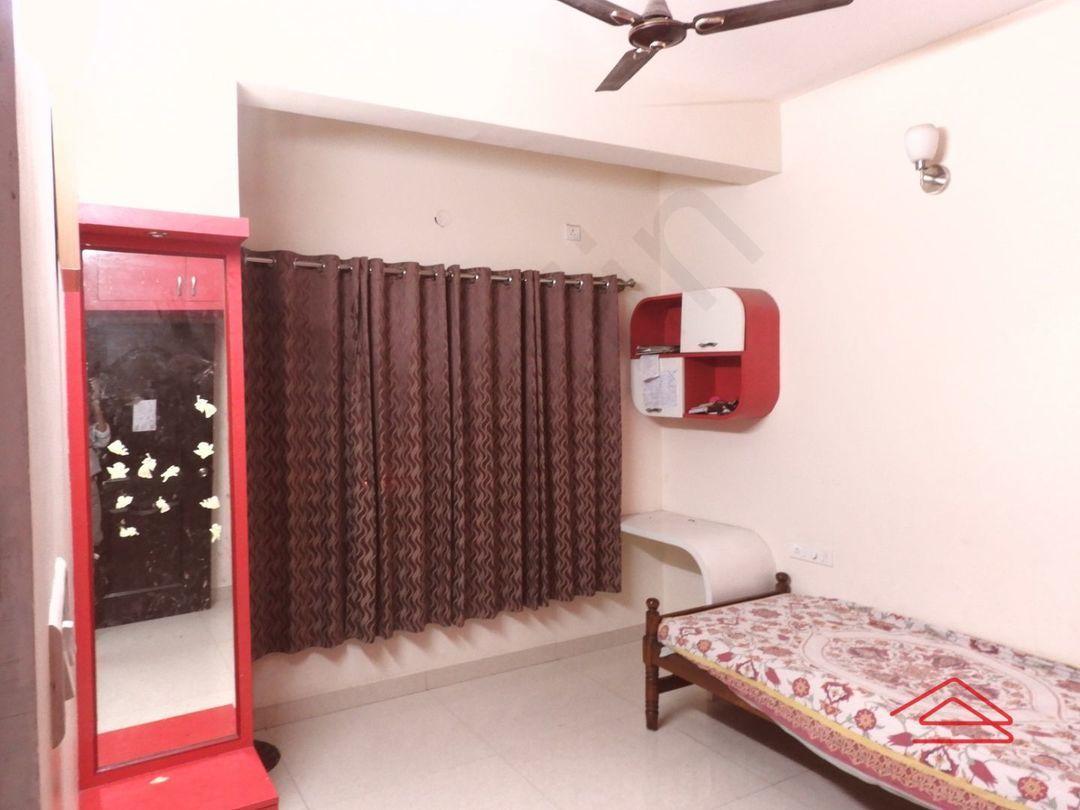 13J6U00015: Bedroom 1