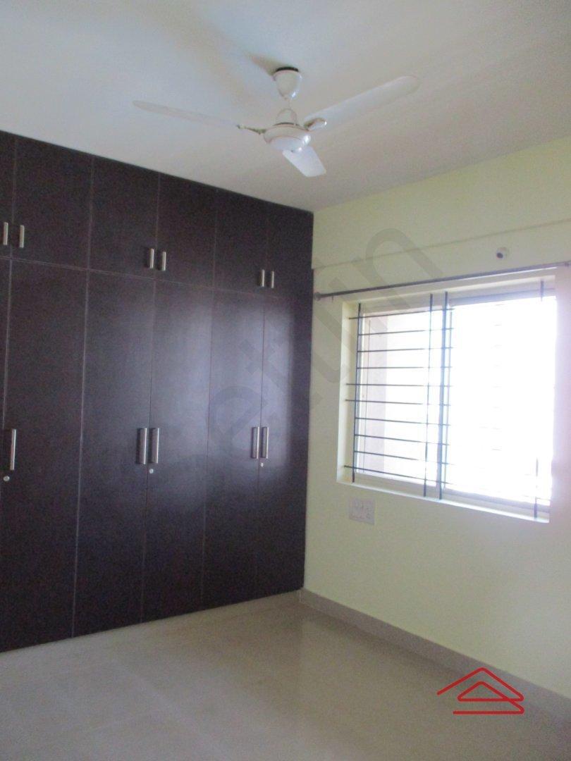 14F2U00399: Bedroom 1