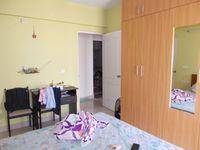 13F2U00193: Bedroom 2