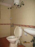 15OAU00114: Bathroom 2