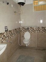 15J7U00122: Bathroom 2