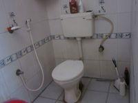 11F2U00185: Bathroom 2