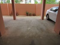11F2U00185: parking 1