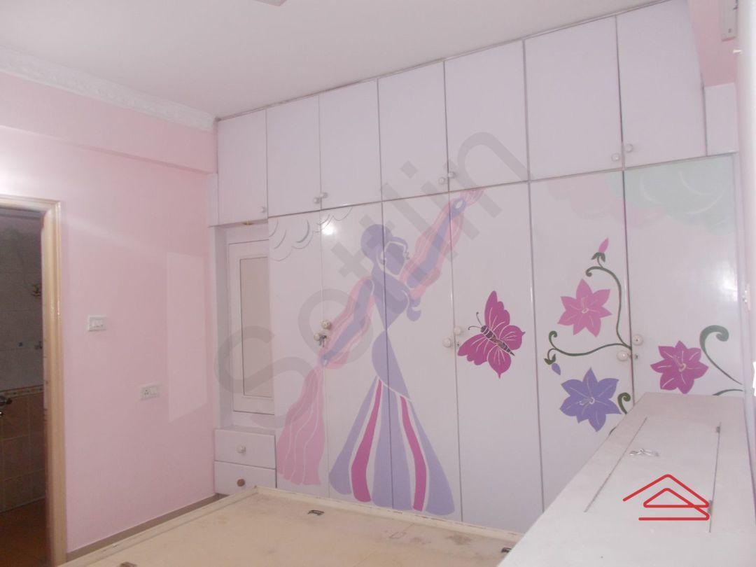 13F2U00337: Bedroom 1