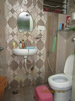 15J7U00097: Bathroom 1