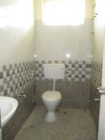 15J7U00133: Bathroom 1