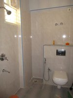 14F2U00177: Bathroom 1