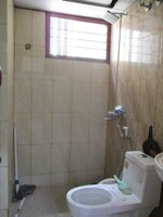 15J7U00214: Bathroom 1