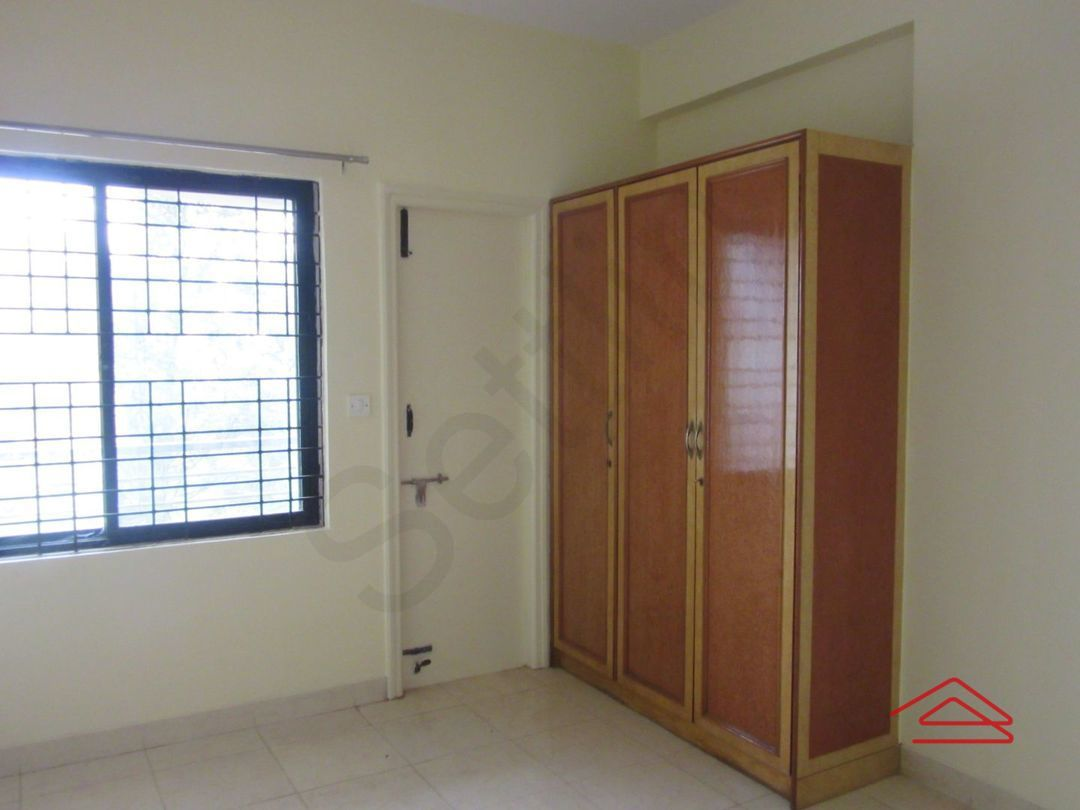 13J6U00442: Bedroom 1
