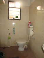 13J6U00200: Bathroom 2