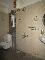 15A8U00765: Bathroom 1