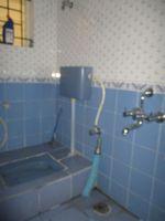 13M5U00188: Bathroom 3
