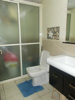13OAU00346: Bathroom 1